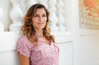 Caucasian woman looking away with confidence